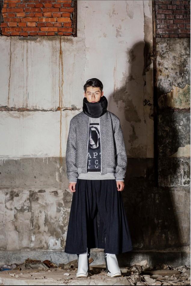 AXES新進人氣台灣新銳品牌JIC雙面穿飛行外套,推薦價12,880元;反叛軍隊長衛衣,推薦價4,880元;棉質多片褲裙,推薦價7,280元 (1)