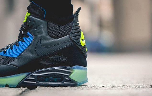 nike-2014-holiday-air-max-90-sneakerboot-ice-collection-6