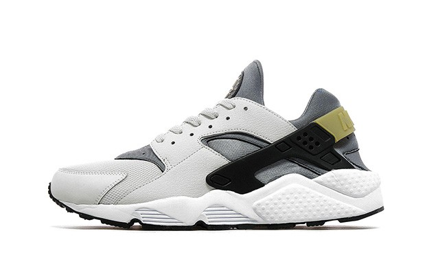 nike-air-huarache-light-ash-grey-jd-sports-exclusive-1