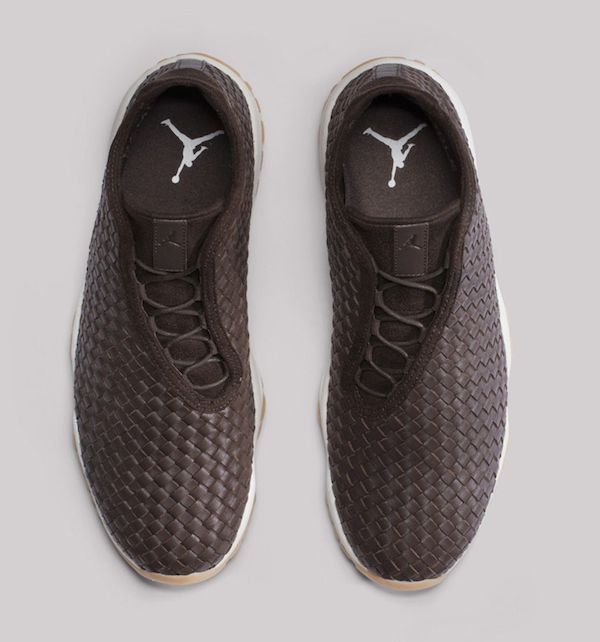 air-jordan-future-premium-dark-chocolate-3