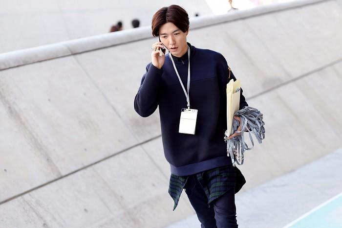 streetsnaps-seoul-fashion-week-2015-spring-summer-part-1-04