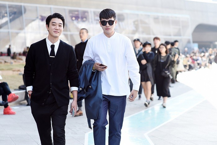 streetsnaps-seoul-fashion-week-2015-spring-summer-part-2-08