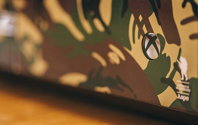 a-closer-look-at-the-xbox-one-aape-by-a-bathing-ape-edition-5