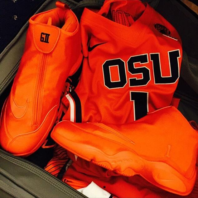 nike-zoom-flight-the-glove-orange-oregon-state-1
