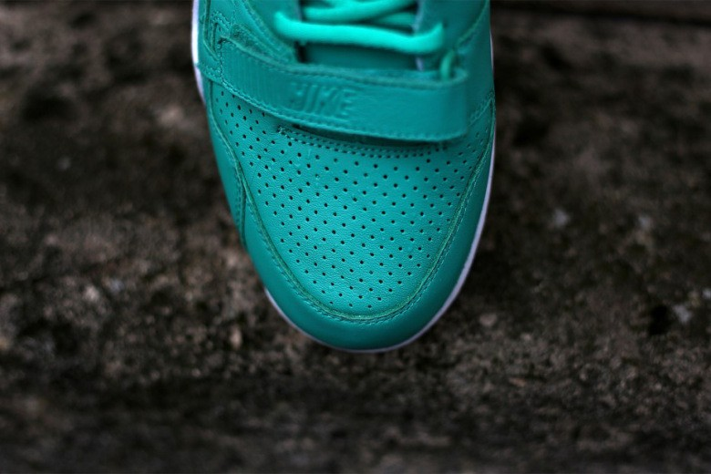 nike-air-trainer-2-prm-crystal-mint-2
