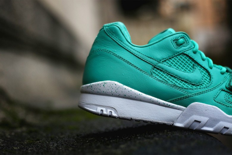nike-air-trainer-2-prm-crystal-mint-3
