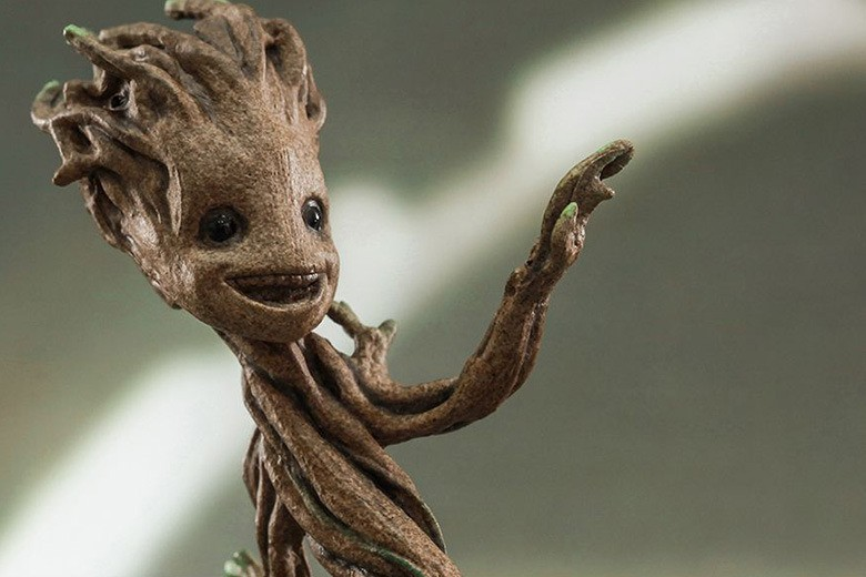 hot-toys-guardians-of-the-galaxy-little-groot-1-4th-scale-collectible-2