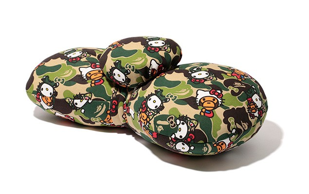 hello-kitty-x-a-bathing-ape-2014-capsule-collection-14