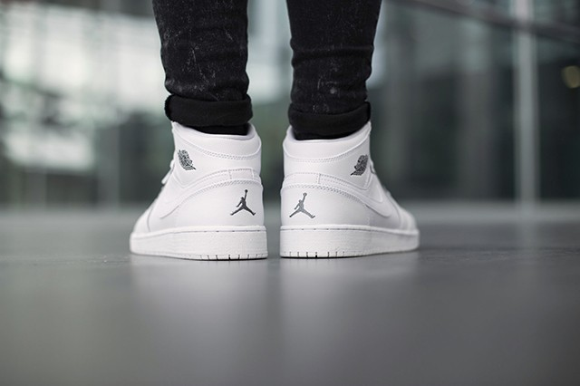 air-jordan-1-bg-white-cool-grey-5