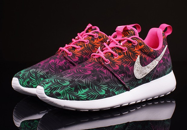 Nike-Roshe-Run-GS-Hot-Pink-Menta-Total-Orange-1