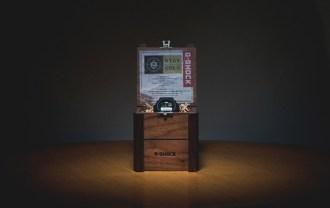 remix-x-casio-g-shock-10th-anniversary-dw-6900rm-1-1