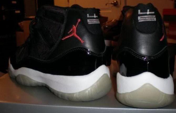 """Air Jordan 11 """"Red Space Jam""""2000年"""