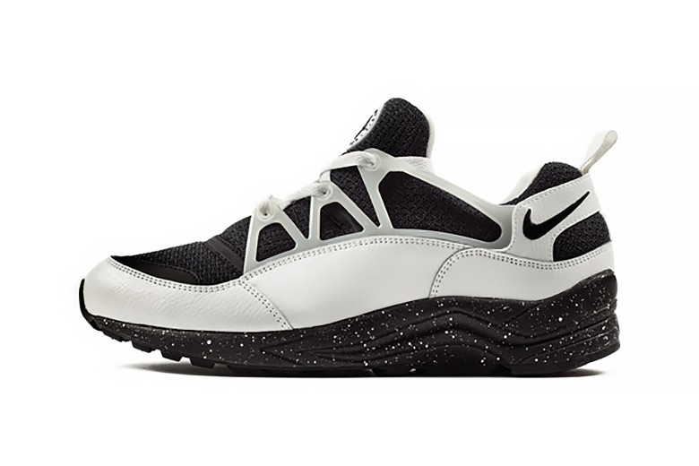 nike-air-huarache-light-eclipse-pack-size-exclusive-2