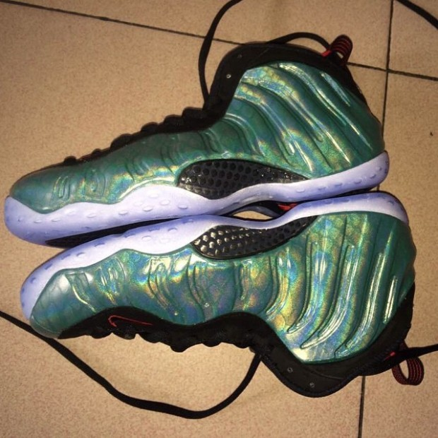 nike-air-foamposite-one-gone-fishing-02-620x620