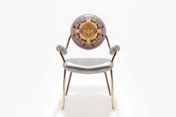 Versace-La-Coupe-des-Dieux-Chair-01