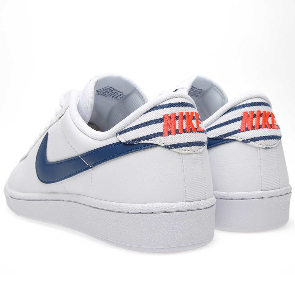 nike-tennis-classic-white-gym-blue-2