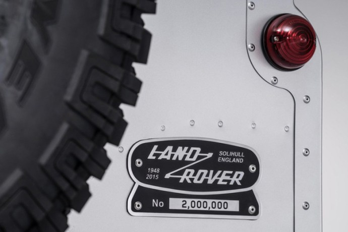 land-rover-produces-bespoke-two-millionth-defender-2