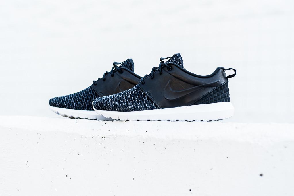 Nike_Roshe_NM_Flyknit_PRM_Black_Black_Politics_Hypebeast_9_1024x1024