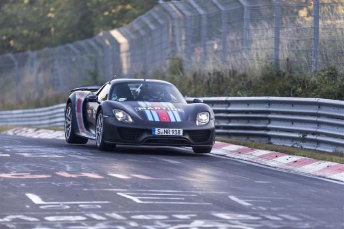 2015-Porsche-915-Spyder-Testing-Lap-03-800