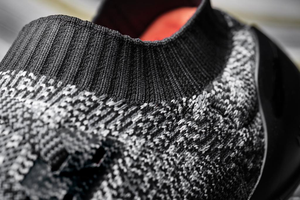 3.UltraBOOST Uncaged鞋身採用Primeknit編織材質,全新鞋領編織設計提供最佳舒適度與運動保護穩定效果