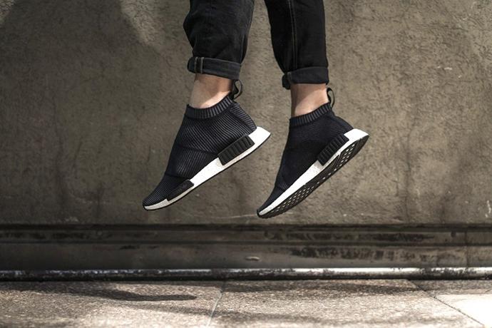 adidas-city-sock-black-white-closer-look-011