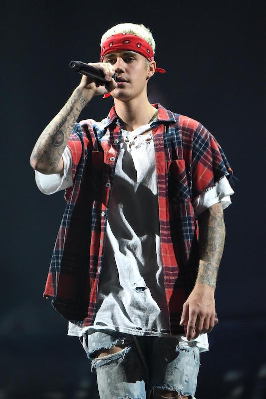 """NEW YORK, NY - JULY 19: Justin Bieber performs on stage during his """"Purpose"""" tour at Madison Square Garden on July 19, 2016 in New York City. (Photo by Kevin Mazur/Getty Images)"""