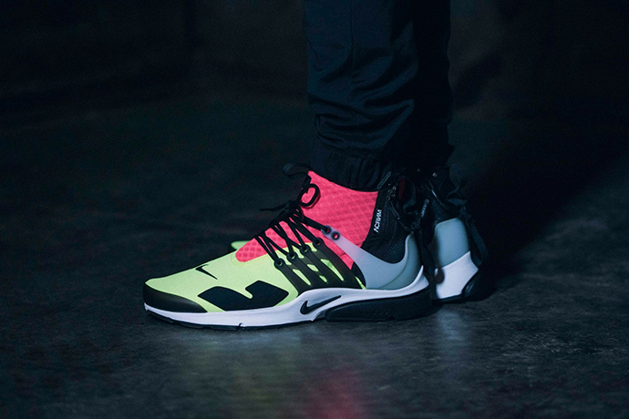 acronym-nike-air-presto-neon-sneakers-22