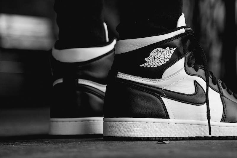 air-jordan-i-1-retro-high-og-black-white-3