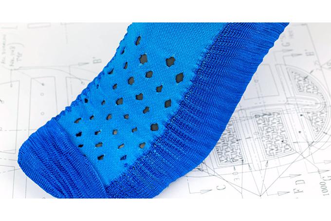 _0007_sock-dart-behind-the-design-3_thread_des