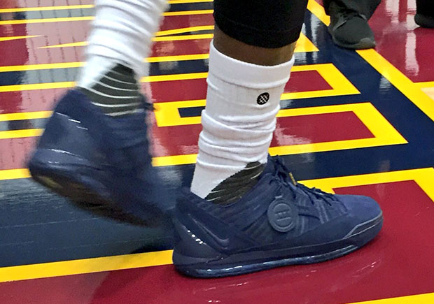 lebron-3-low-blue-cavs-media-day-1