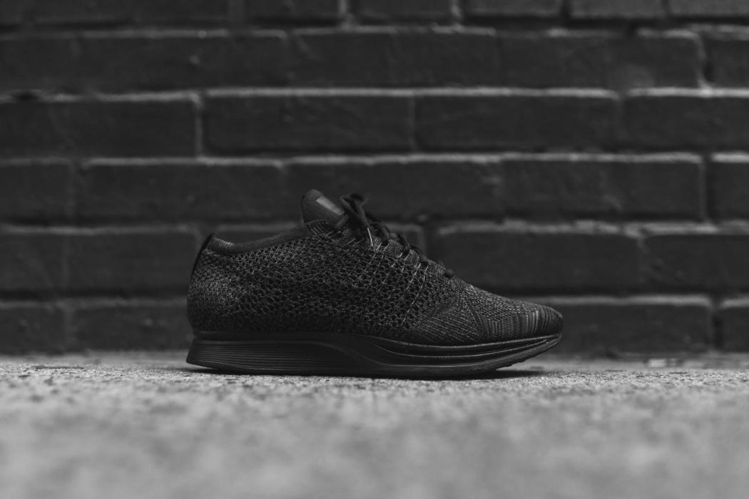 nike-flyknit-racer-triple-black-closer-look-11