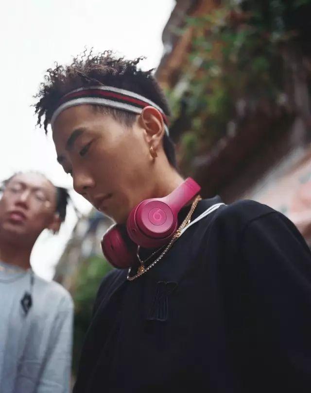 聽 Higher Brothers 的 Trap,你該用什麼耳機? | OVERDOPE 華人首席線上時尚潮流雜誌