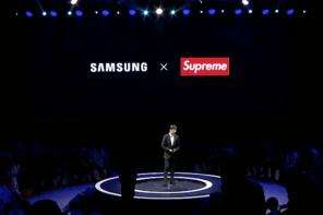玩真的?!3C 巨頭 Samsung 宣布將與 Supreme 啟動聯名企劃!