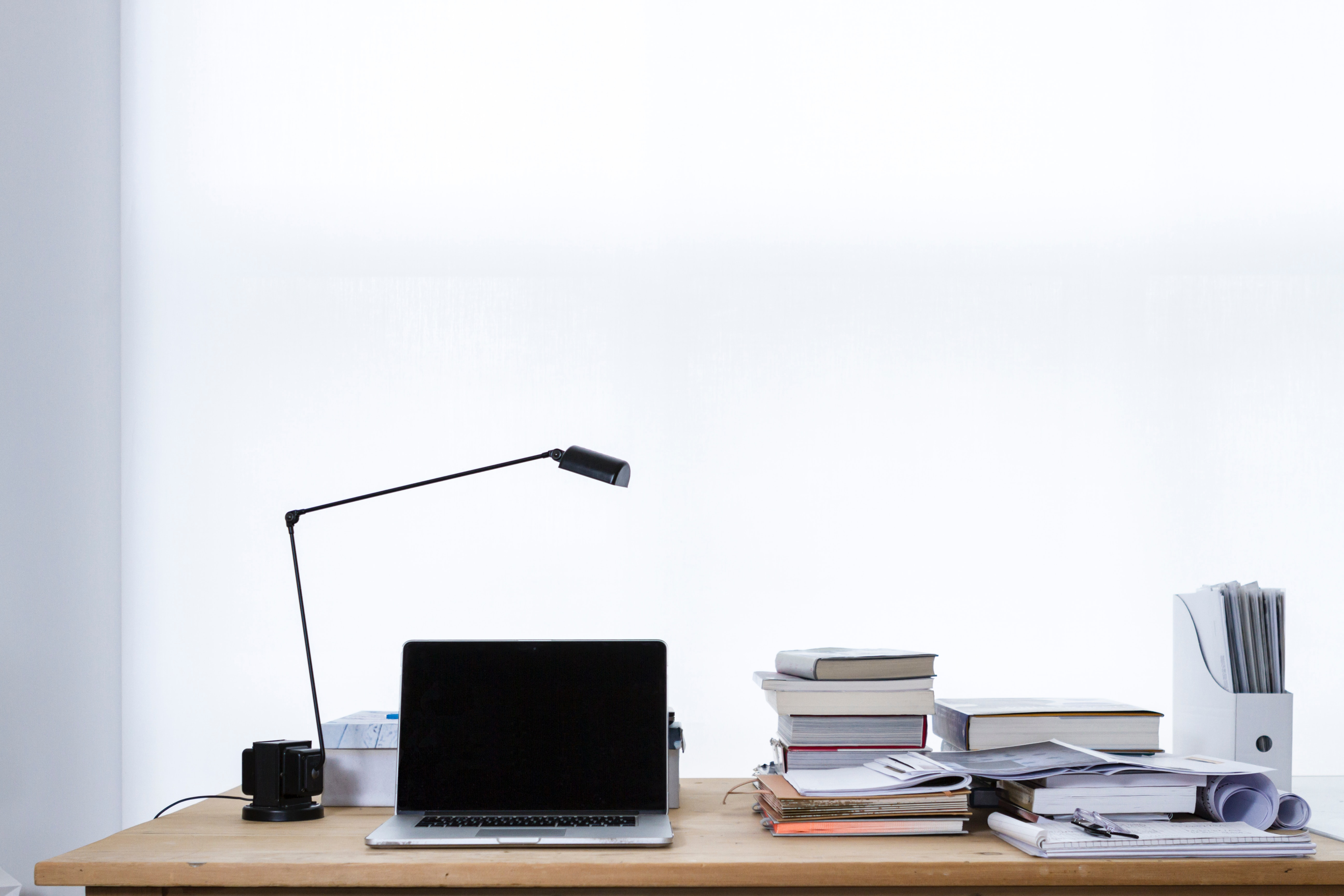 6 Best Desk Lamps For Your Office (2020 Review)