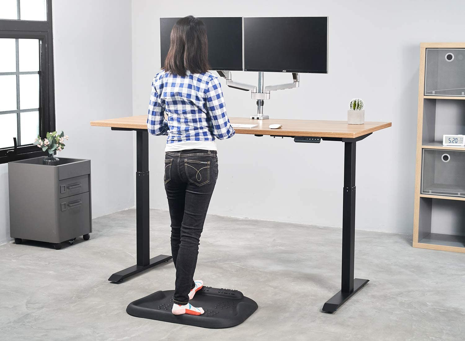 The 5 Best Standing Desk Mats (2021 Review)
