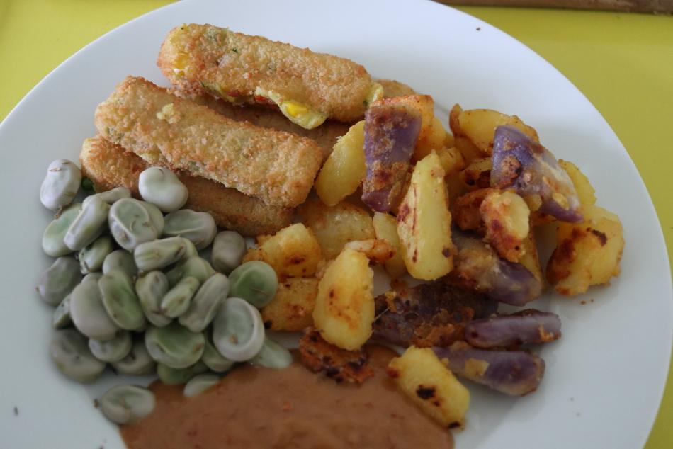 gebakken aardappelen tuinbonen groentesticks