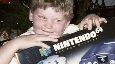 Photo of 90s Kids Losing Their Crap Over Christmas Video Games is Absolutely Adorable