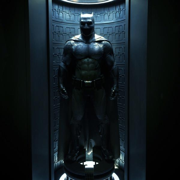 Batman-v-Superman-Batsuit