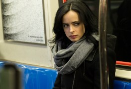 MCU: No One is Punching Anyone in Our First Official Jessica Jones Photos