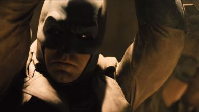 Batman and Superman Prepare for a Friendly Chat in the BvS Sneak Peek
