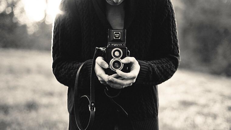 ウェディングフォトはカメラマンに!いくらくらい?