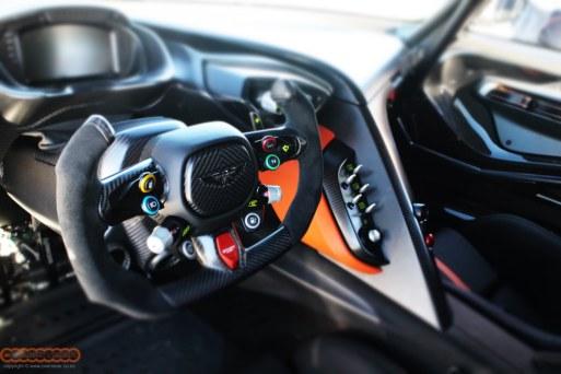 Aston Martin Vulcan 001