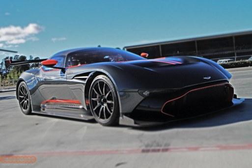 Aston Martin Vulcan 013