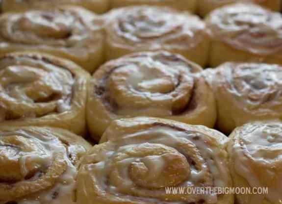 cinnabon rolls1