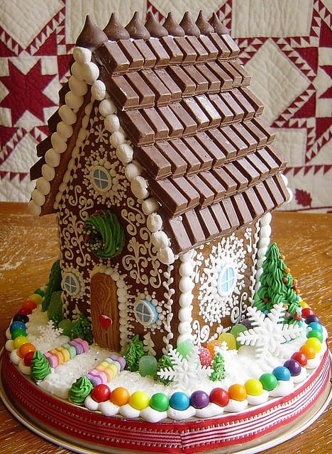 Top 12 Clever Twists To Traditional Gingerbread Houses!