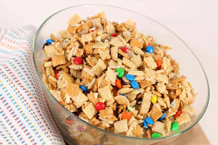 This Sweet and Salty Chex Mix treat is a family favorite and can be customized to your liking! This recipe is one to save! From overtehbigmoon.com!