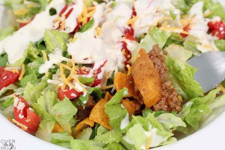 Easy Hamburger Taco Bowl -- overthebigmoon.com!