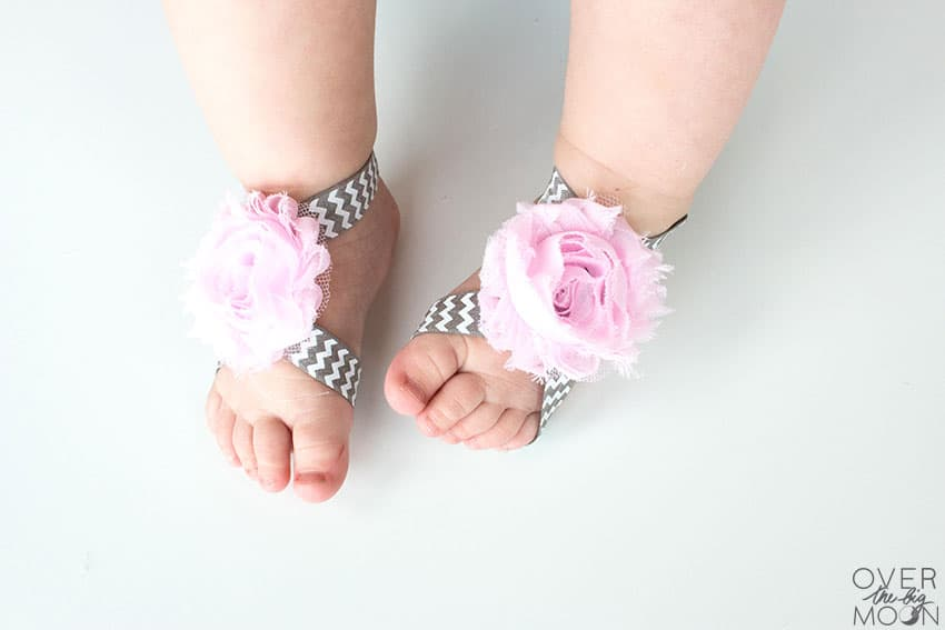 Baby Barefoot Sandals that are perfect for newborns! From overthebigmoon.com!