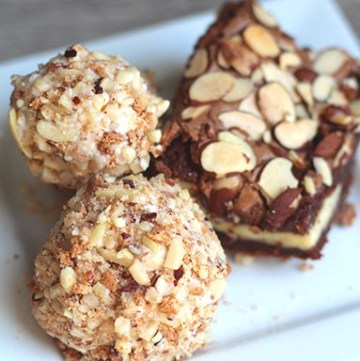 This Toasted Almond & Vanilla Arancini with Almond Cream Cheese Brownies is such a WOW dessert! These two compliment each other perfectly! You'll love this dessert! From www.overthebigmoon.com!