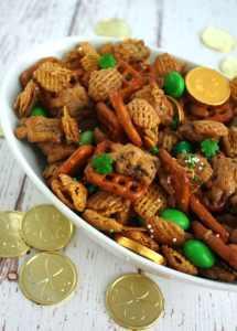 St. Patrick's Day Chex Mix treat! Recipe at www.overthebigmoon.com!